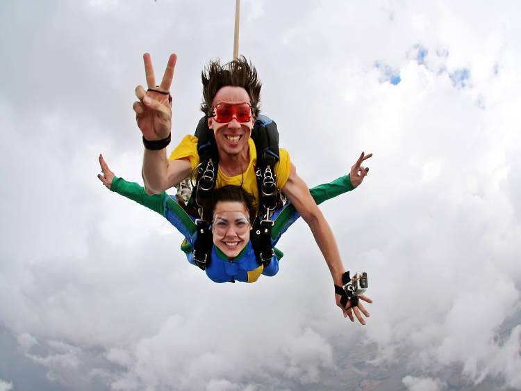 En paracaídas en Cuautla