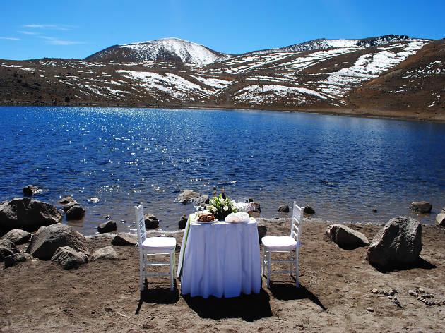 Cena romántica a la orilla de las lagunas del Nevado de Toluca