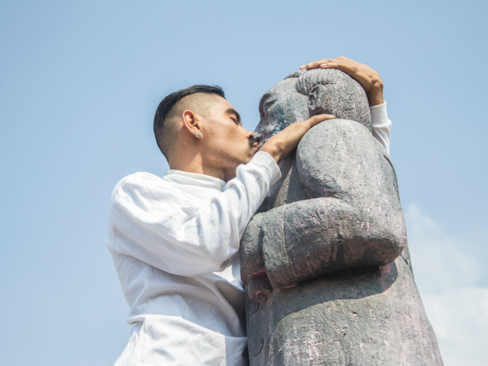 Javier Ocampo, el folclore, lo queer y lo naco en el arte