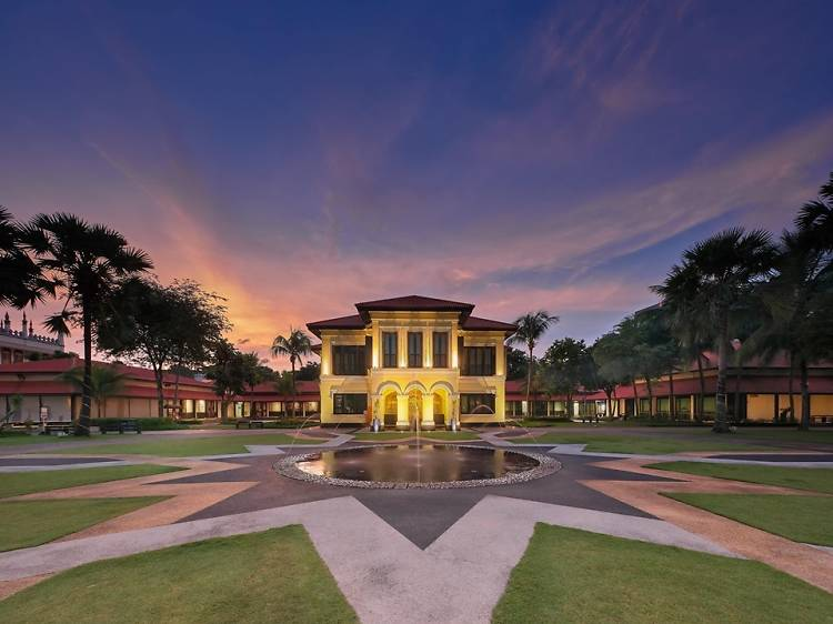 Live like royalty at the Malay Heritage Centre
