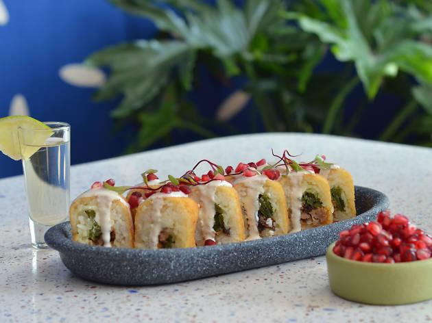 sushi de chile en nogada