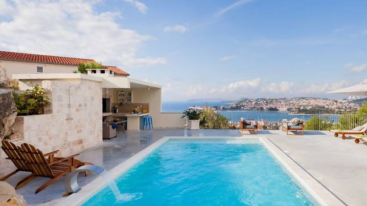 'Incredible Views from a Poolside Oasis', Podstrana
