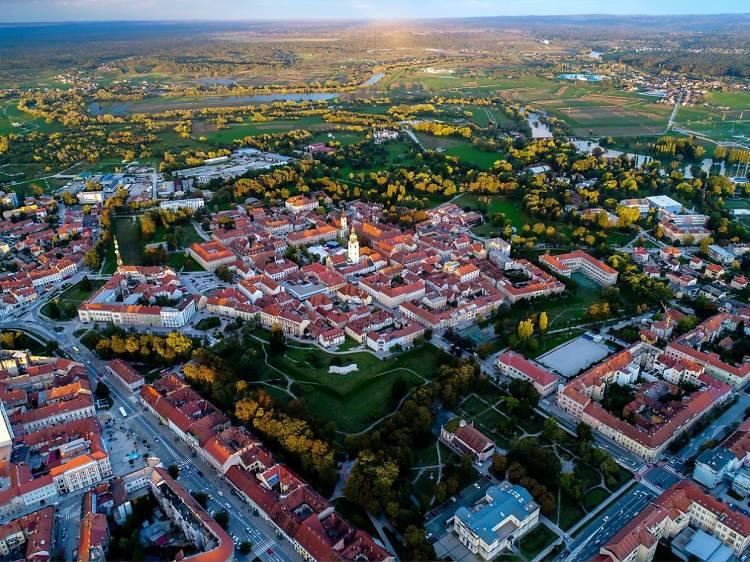 Follow the Karlovac Star