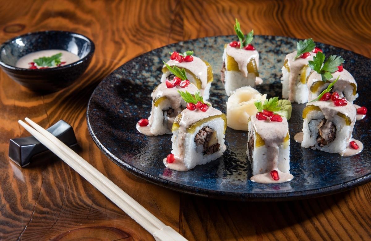 Sushi de nogada