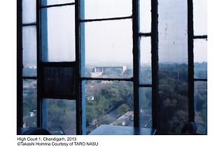 ホンマタカシ「Looking through - Le Corbusier windows」
