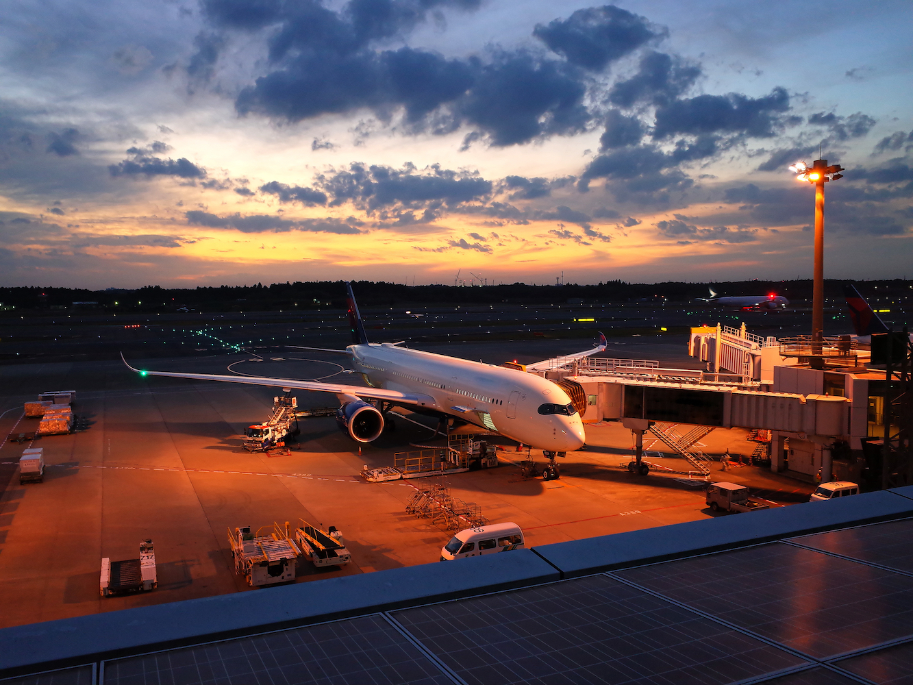Narita airport to increase late-night transport options into Tokyo