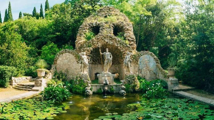 Trsteno: Fountain Neptune at the Arbotreum