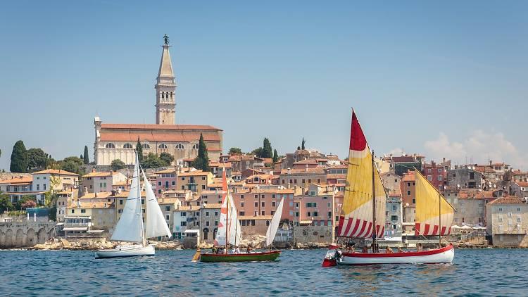 Rovinj: Traditional regatta 'Batana'