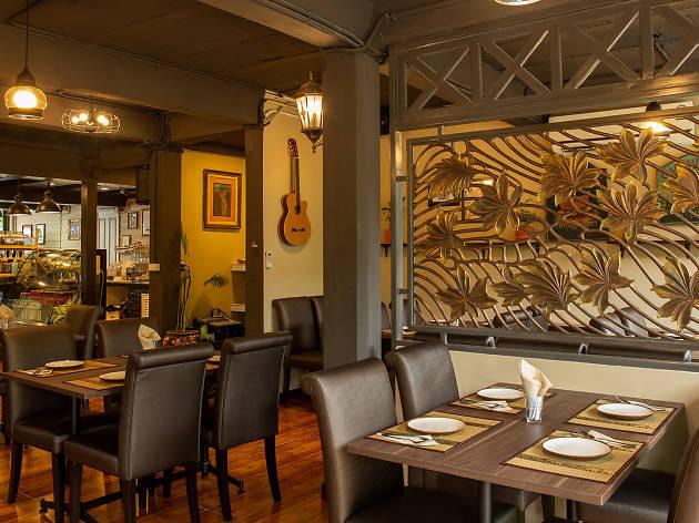 Pāka Restaurant 01