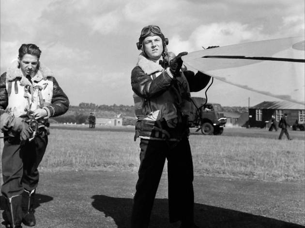 A still from the film 'Reach for the Sky' starring Kenneth More