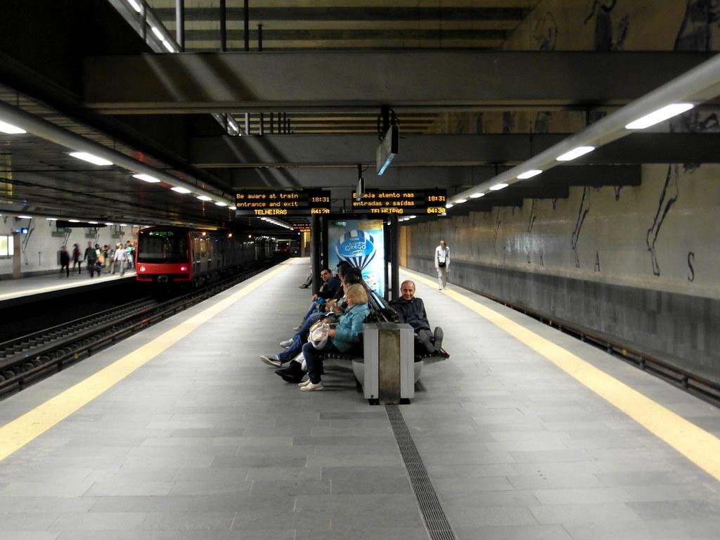 Este Natal, a hora de ponta no Metro vai ser um espectáculo