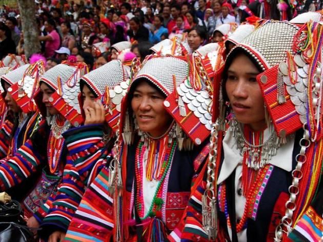 孔雀の舞う楽園 雲南省シーサンパンナの少数民族衣食住展