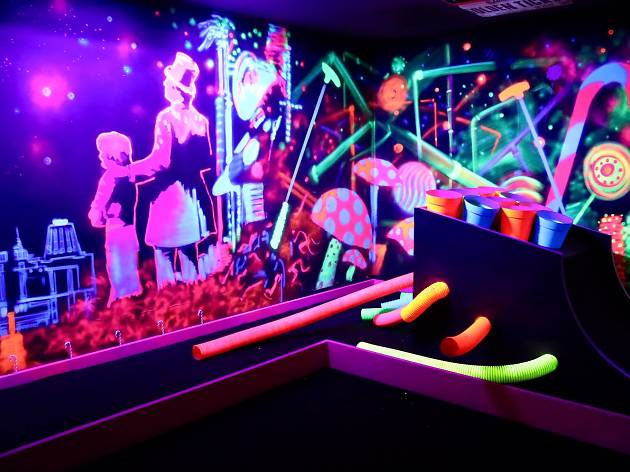 Tee off at Switzerland's first indoor mini-golf cocktail bar