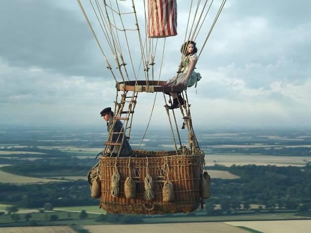 Eddie Redmayne and Felicity Jones in The Aeronauts