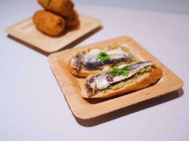 Cada Vez Spanish tapas restaurant Gallery Food Hall Social Eats Santa Monica Promenade