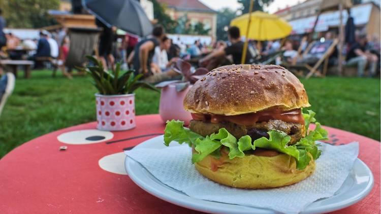 Žuti (Yellow) Burger: Barcode Mitra