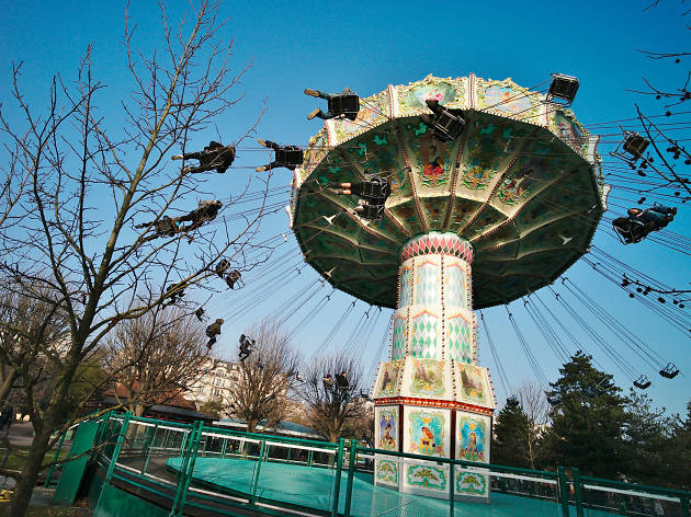 One of the rides at the Jardin d'Acclimatation in the Bois de Boulogne