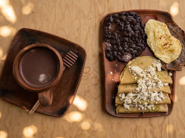 Maíz de Cacao, antojería de maíz y cacao traído de la Huasteca