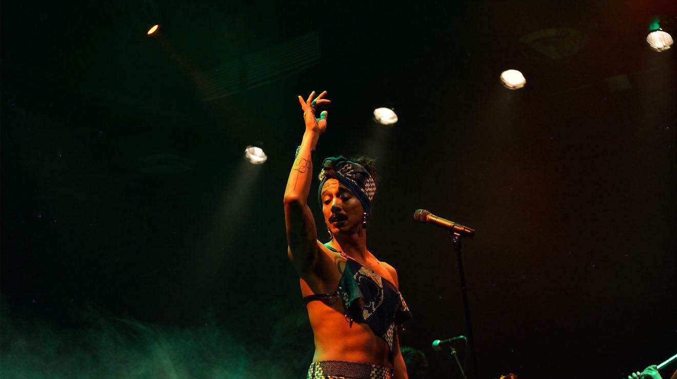 Marduk y las flores silvestres, reinterpretan bolero y ritmos latinos desde lo queer