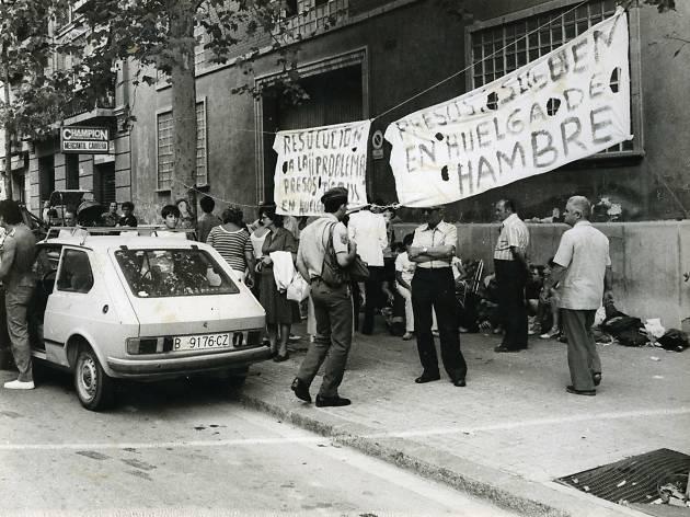 Suport de familiars a presos en vaga de fama. 1982. Czibor, Zoltán. AFB.