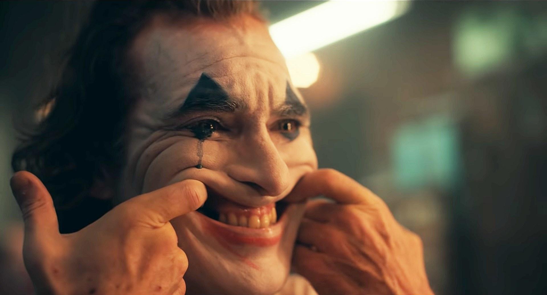 JOKER: หดหู่ไปกับเสียงหัวเราะอันขมขื่นของตัวตลกที่โลกไม่เคยยิ้มให้