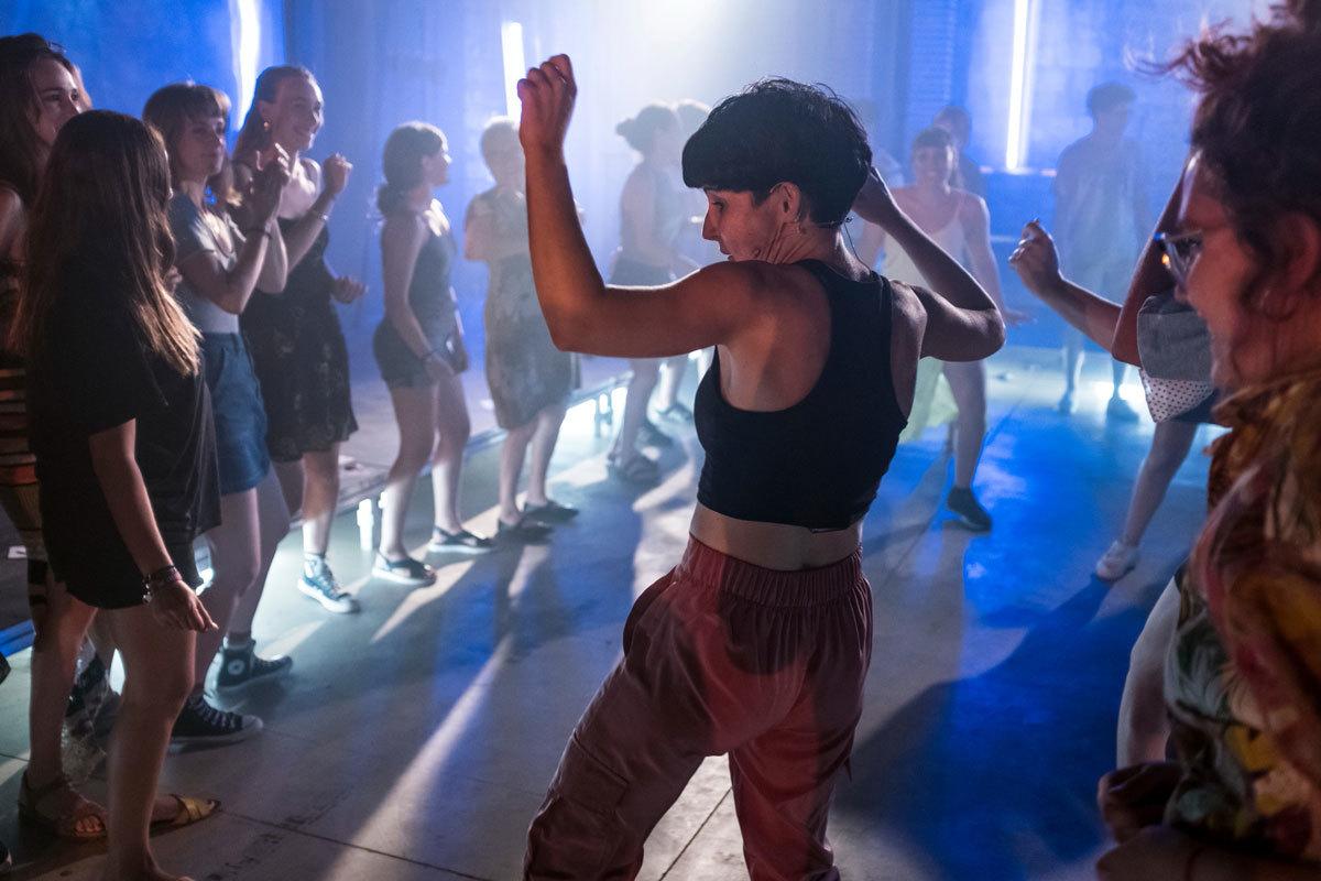 Así bailan las putas