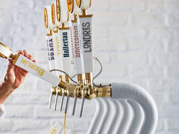 Sabors cervesers del món a San Miguel Tap Station Barcelona