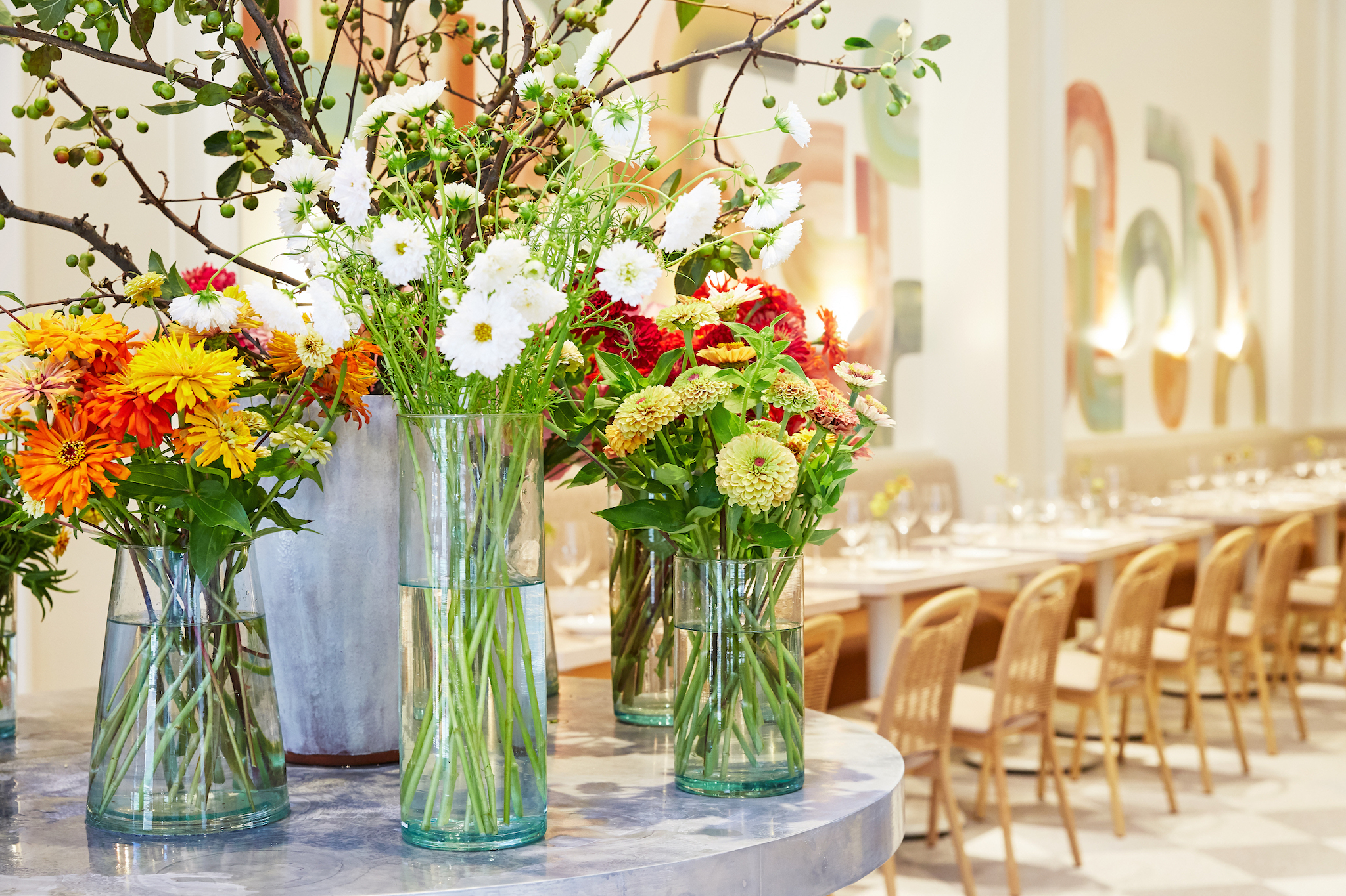 Where to find flowers at NYC restaurants, bars and coffee shops