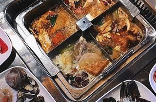 Thai Tanic Live Seafood Hotpot