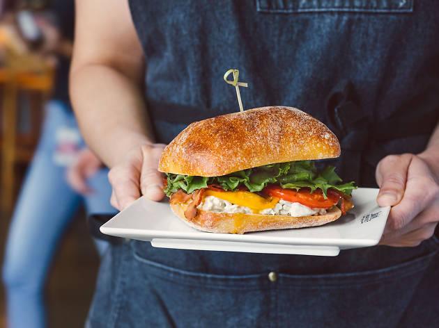 BISq, chicken sandwich