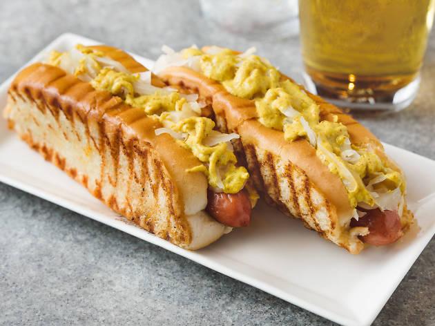 Mamaleh's hot dogs