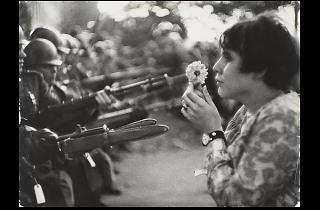 Marc Riboud. La noia amb la flor, 1967