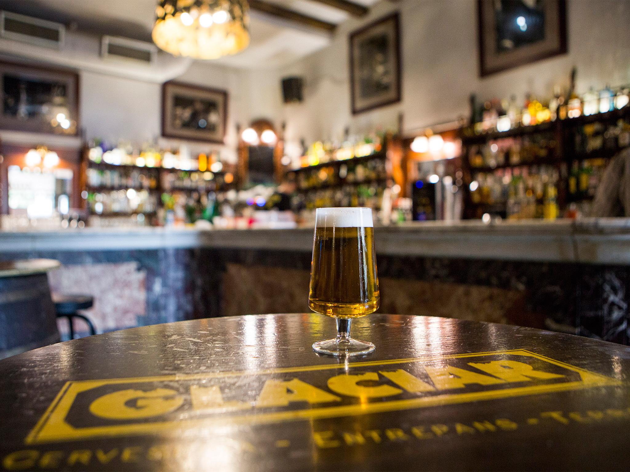 ¿Cómo y cuándo podré volver a los bares y restaurantes?