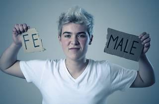 Mujer identificada con el género no binario