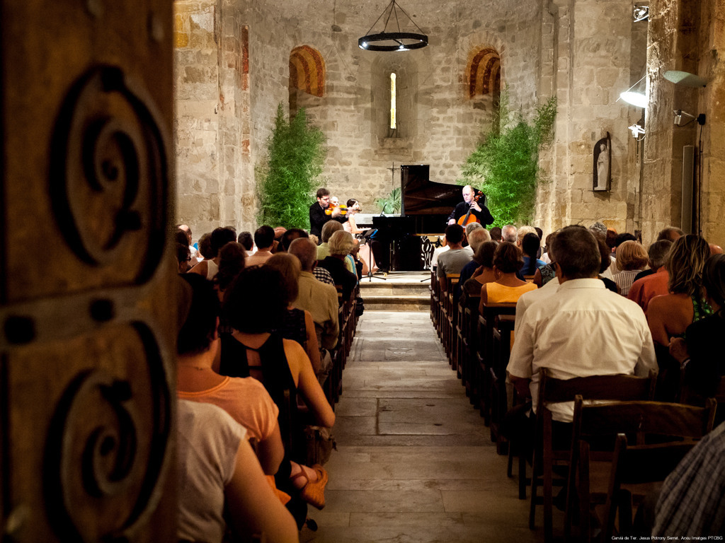 Romanesque architecture, a perfect medieval setting to enjoy music