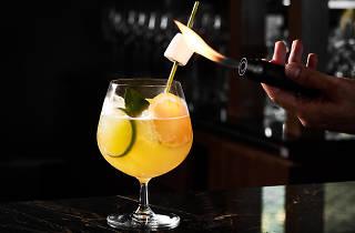 Spectrum Lounge & Bar 05