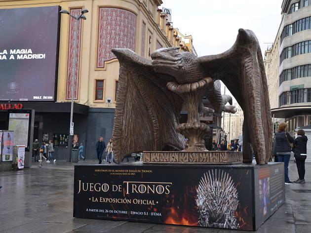 Cuatro estatuas gigantes de 'Juego de tronos' aparecen en las calles de Madrid