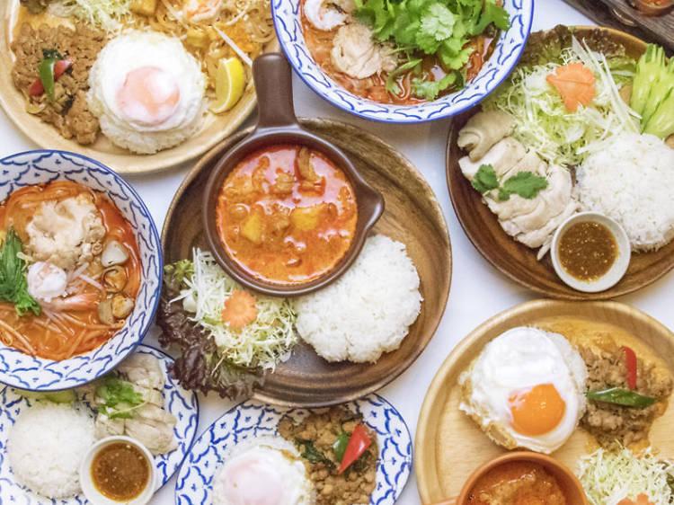 タイ料理の豊かな風味に舌鼓を打つ。