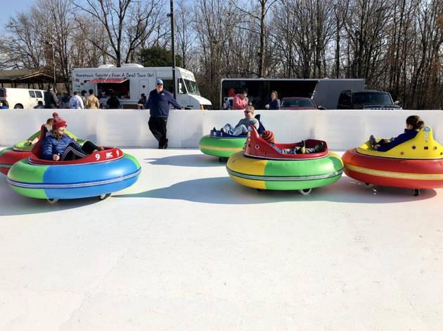 Carrinhos de choque no gelo