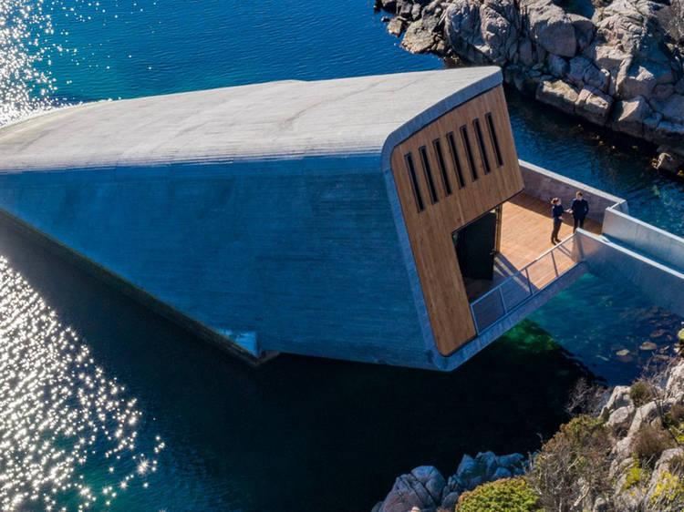 Um restaurante debaixo de água