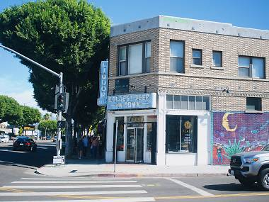 A new deli and liquor store take over one of Highland Park's most recognizable corners