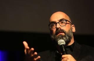 A Onda Bienal vai organizar uma exposição de Valter Hugo Mãe
