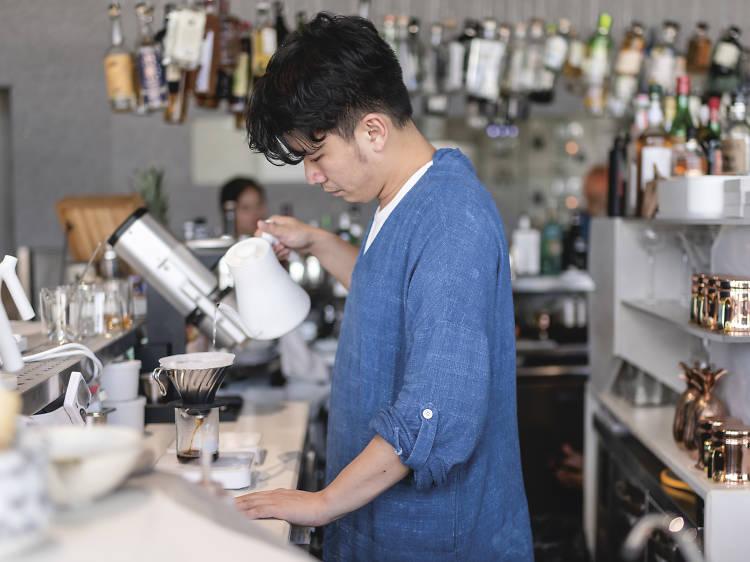 Rest Coffee Gin 唞唞:打卡海景 café 變氈吧