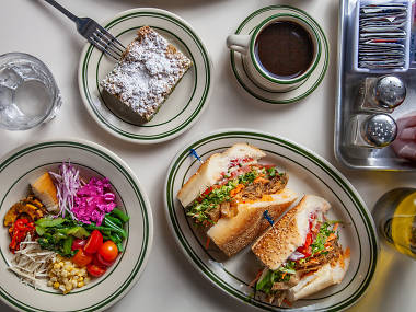 29 Best Breakfast in NYC for Eggs, Pancakes and French Toast