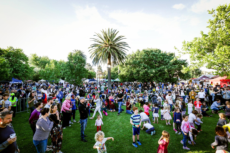 Crowd outside for market festival