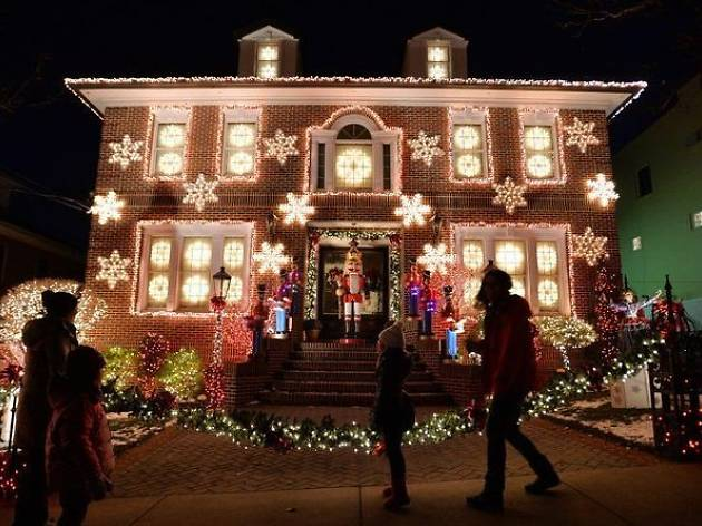Dyker Heights holiday bus tour