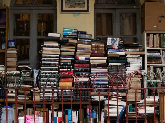 Niña oscura, librería de paso en la Santa María La Ribera