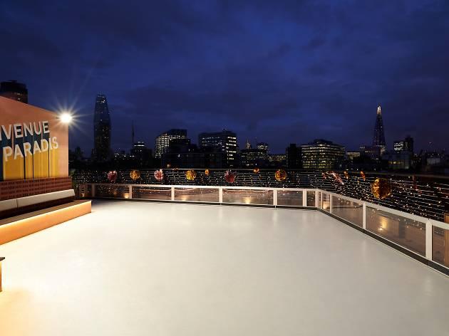 Bar Elba rooftop rink