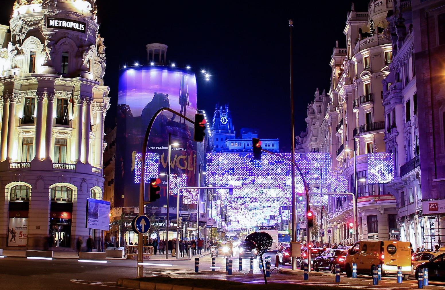 Descubre cuándo y dónde se encienden las luces de Navidad más bonitas de Madrid