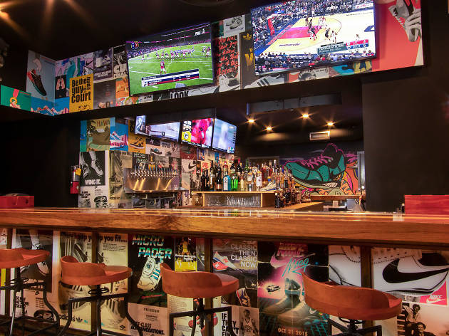 Grails Sports Bar